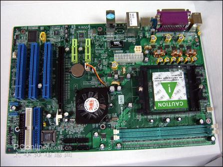 带集成显卡,还能安装独立显卡;   一个amd3000加七彩虹主板加1g内存