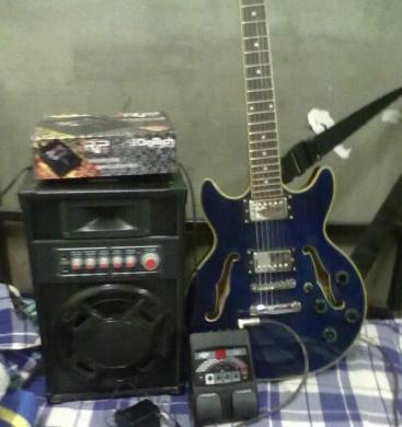 【九成新】国产fender电吉他及效果器rp70音箱10g